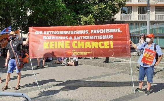 Gib Antikommunismus, Rassismus, Faschismus und Antisemitismus keine Chance!