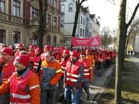 Solidarität mit den Kolleginnen und Kollegen bei DEW im Kampf um ihre Löhne und Arbeitsplätze!